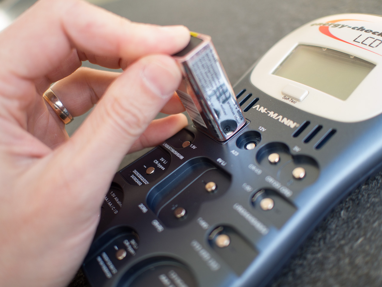 Batterietestgerät günstig bei RS Components erhältlich
