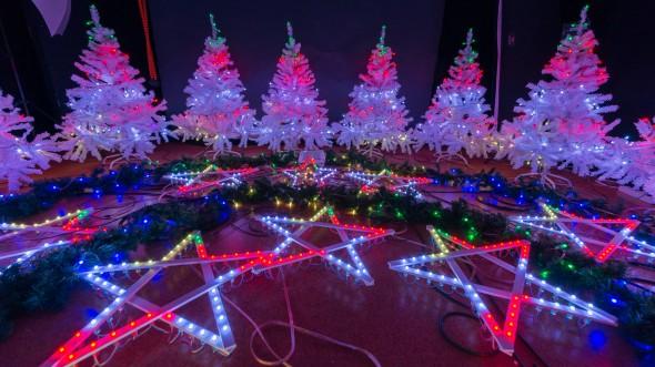 Weihnachtsbeleuchtung im Testsbetrieb