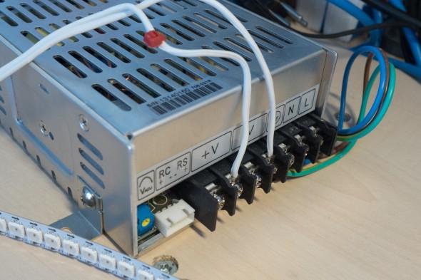 Für einen Testaufbau reicht auch ein Netzteil mit ca. 3-4 Ampere Strom.