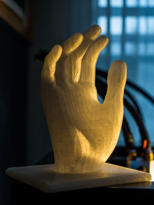 Mit ABS gedruckte Hand, Teiltransparent