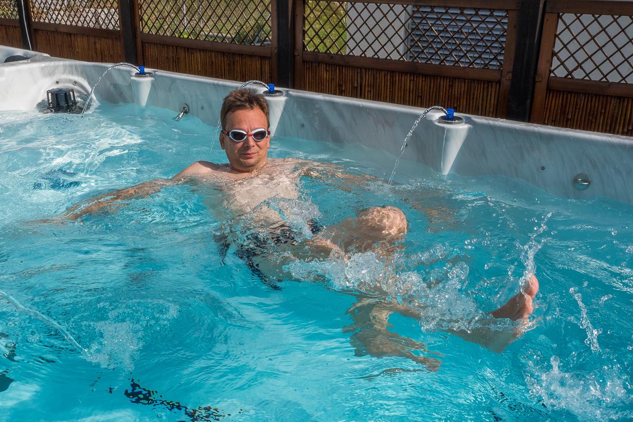 Swim spa whirlpool schwimmbad gegenstromanlage for Schwimmbad gegenstromanlage
